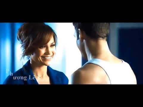 Download The Boy Next Door - Noah And Claire - Best Movie Kiss Scenes