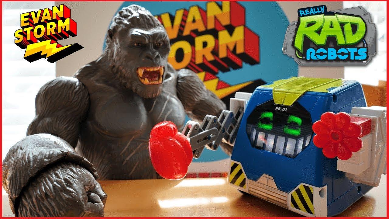 Really Rad Robot PRANKBRO Mystery Halloween Box from Moose Toys