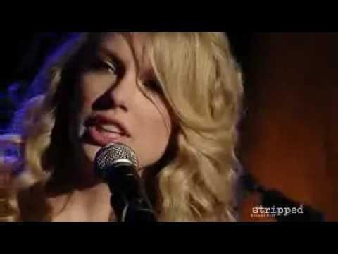 Teardrops On My Guitar - Taylor Swift (Live 2009)