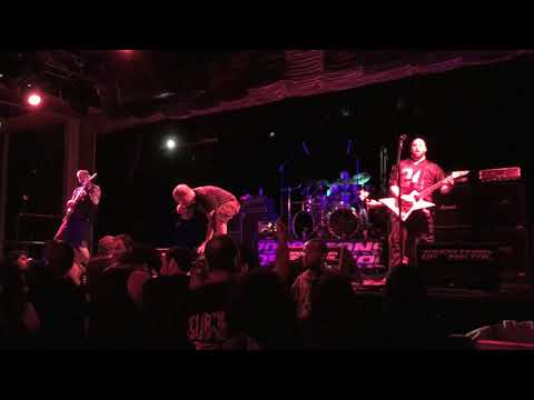 "Internal Bleeding ""Falling Down"" Live at 70,000 Tons Of Metal
