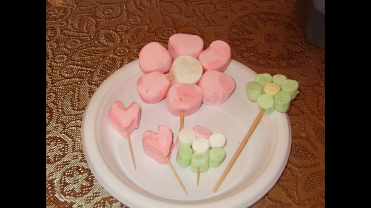 Diy c mo hacer una flor en bombones malvaviscos youtube - Como hacer flores ...