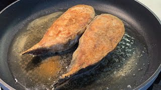 Как пожарить Сома . Стейк из Сома Жареная Рыба на сковороде . Простые рецепты FOOD TIME