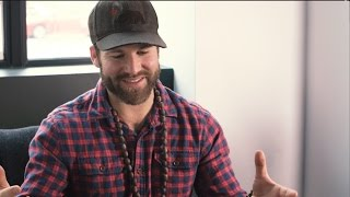 "Drake White Discusses ""Makin' Me Look Good Again"" 