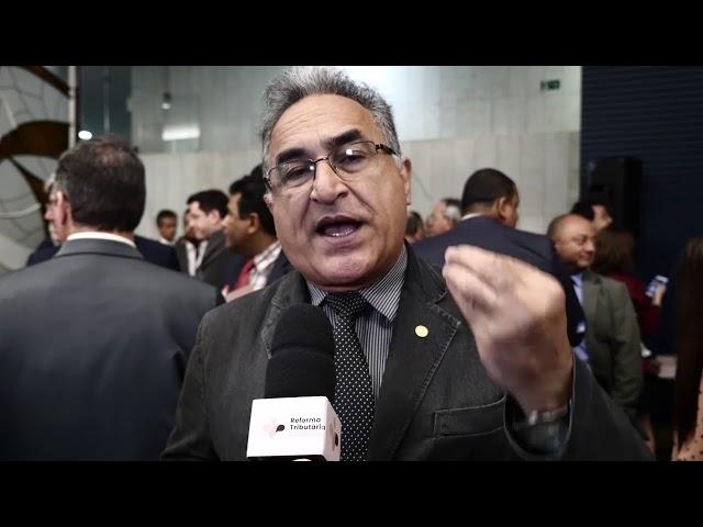 O deputado Edmilson Rodrigues (PSOL) reforça a necessidade de uma reforma estrutural.