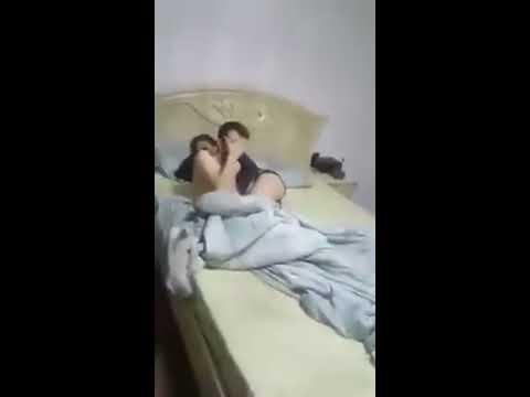 Prinsă de soţ cu amantul în pat