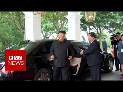 Trump Kim summit: Kim arrives at the hotel - BBC News