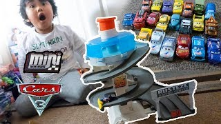 Disney Cars 3 Toys NEW RUSTEZE SPINNING RACEWAY PLAYSET Cars Mini Racers Glow in The Dark Review