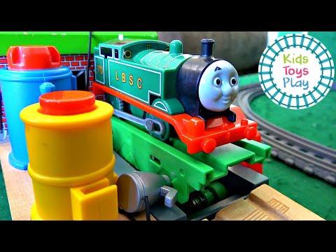 Thomas and Friends Totally Thomas Town Surprise Box