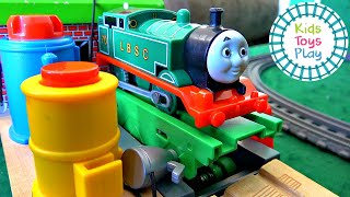 Thomas and Friends Totally Thomas Town Surprise Box