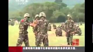 Китайская военные играют в рулетку