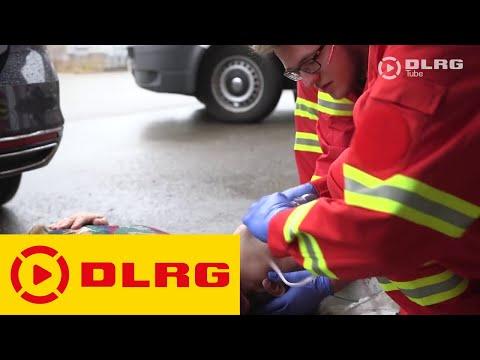 Die DLRG SAN-Ausbildung lehrt Grundlagen zur medizinischen Versorgung im Ernstfall