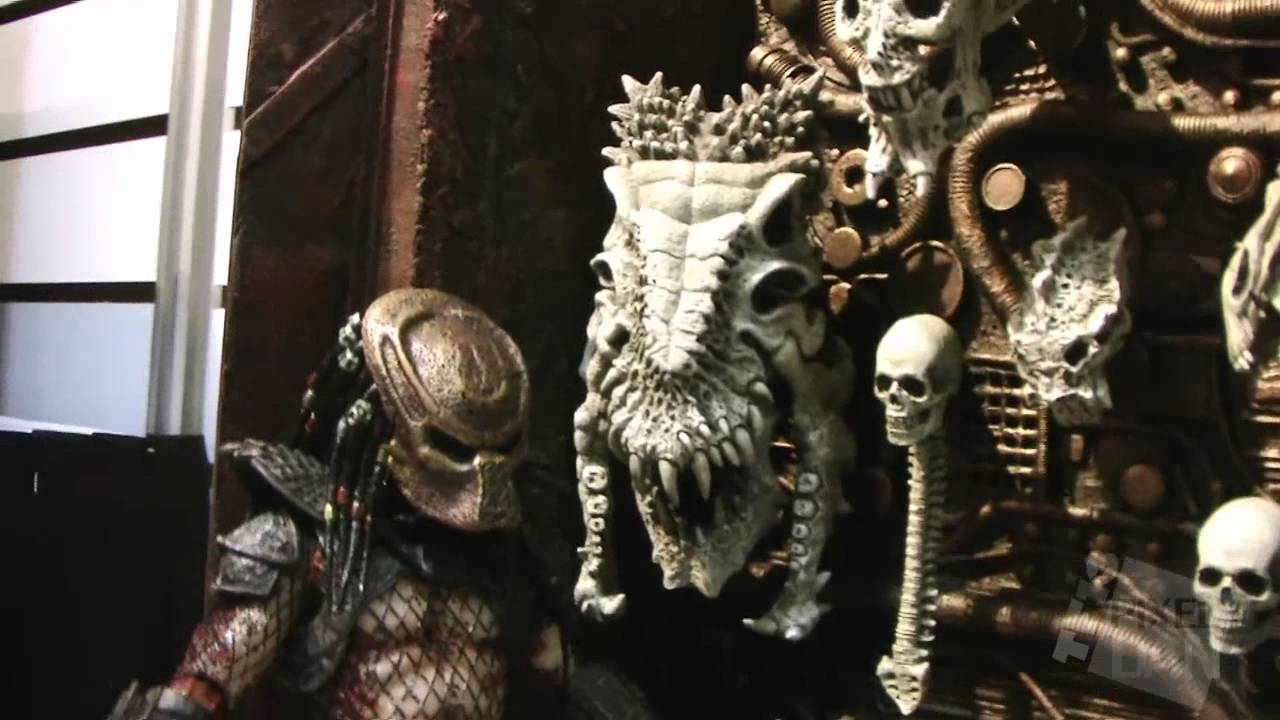 Toy Fair 2013 Neca Alien And Predator Figure Display