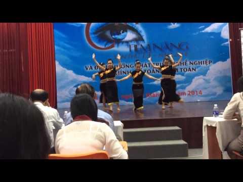 VTM-Múa: những cô gái khơ-mú