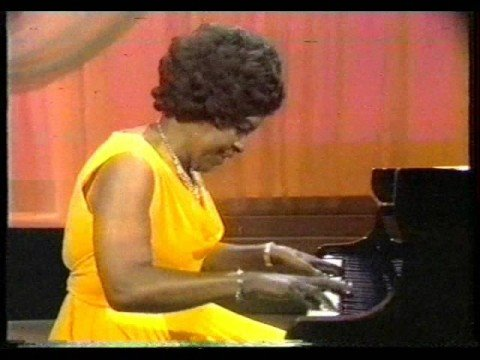 """Winifred Atwell Plays """"The Black And White Rag"""" (with """"Twelfth Street Rag"""")"""