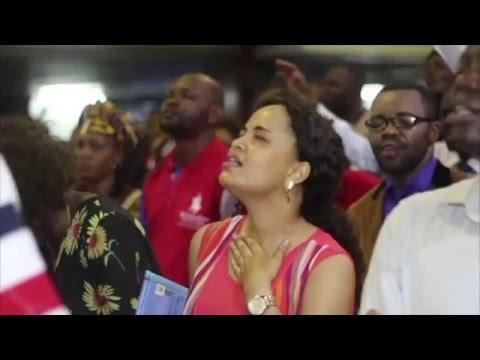 Pasteur Moise Mbiye - De gloire en gloire (adoration)