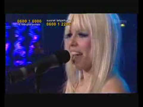 Kerli Walking On Air Live