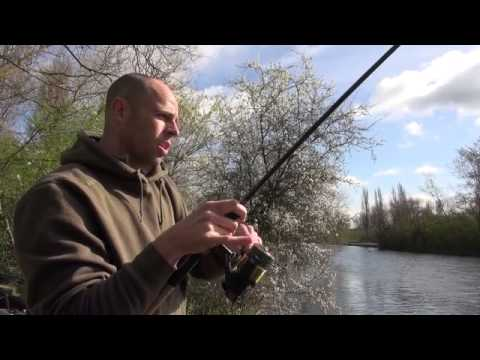 Dean Macey catching at his local park lake - Full Video