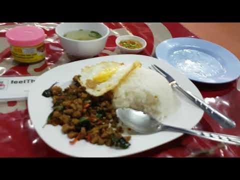 ลุงหนวด ร้านอาหารไทยในหลวงพระบาง