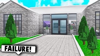 I DID THE NO COLOR HOUSE CHALLENGE! (Roblox Bloxburg)