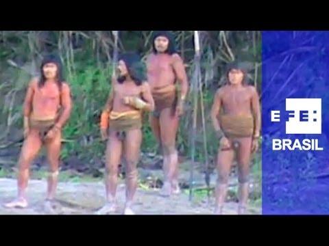 Divulgadas imagens inéditas de tribo indígena do Peru
