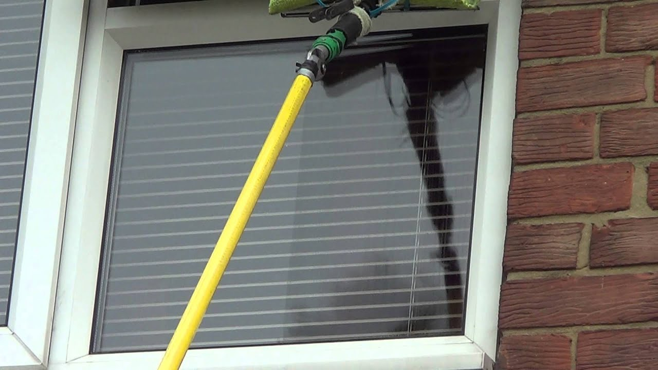 Window Cleaning Tips Using Wagtail On A Pole Youtube