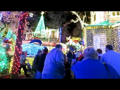 Silver Dollar City An Old Time Christmas Vlog - November 2017 (feat. Time Traveler)