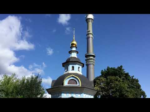 Москва. Останкино. Останкинское кладбище, парк и улица Дубовой рощи.