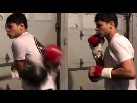 (WHOA) RYAN GARCIA UNVEILS GAME CHANGING BEHIND THE BACK PUNCH WITH UNREAL HAND SPEED