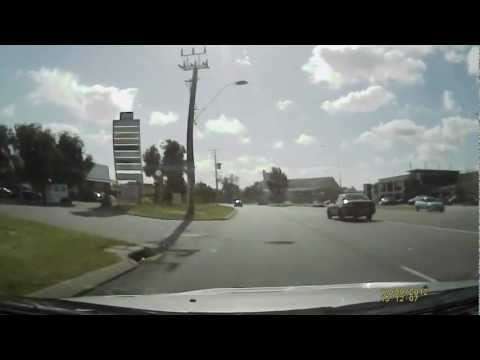 Near miss accident on Bannister rd, Canning Vale, Perth 17/09/2012