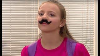 W ten sposób chciała zmusić swojego chłopaka do zgolenia wąsów [Szkoła odc. 620]