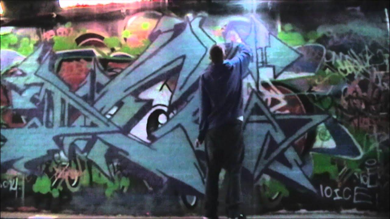 London Graffiti Leake Street Tunnel Youtube