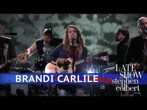 Brandi Carlile Performs 'The Joke'
