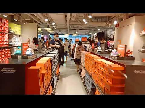 WiNDOW SHOPPING HERE IN HONGKONG  HELLO LOVE GOODBYE SCENE 