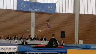 Elise, 1er salto avant en compétition