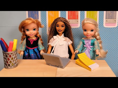 New kid in class ! Elsa & Anna toddlers - back to school 2021 - Barbie is teacher - new students