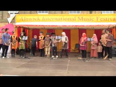 Indonesian Society Performance at Alnwick International Music Festival 2013