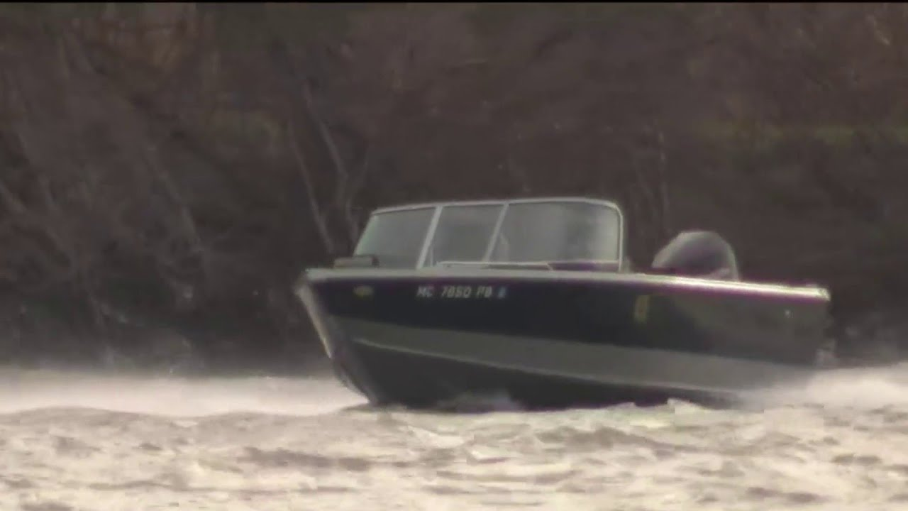 51-year-old Taylor man missing in Lake Erie after boat capsizes