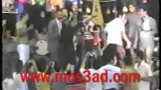 الفنانة شيرين ترقص والفنان أحمد سعد يغني  في فرح شعبي