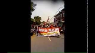 demo masyarakat batang menuntut pembubaran lsm gmbi