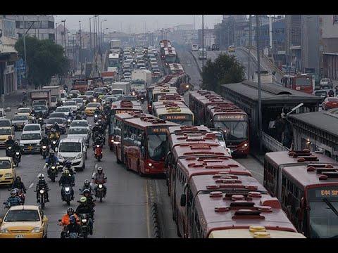 Así se vive un desesperante trancón en Bogotá desde el Bus Colombia | Noticias Caracol