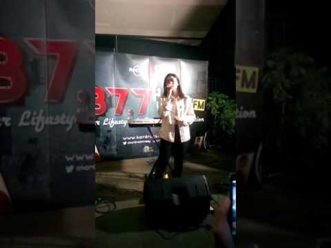 Isyana Sarasvati - Kuterimakan (Live Performance from Seventh Dose)