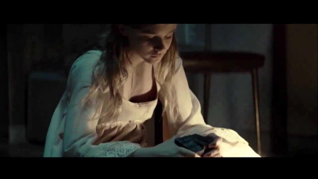let me in - scenes & la scena eliminada (chloe moretz) - youtube