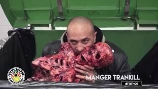 canibal dans une poubelle - Camera cachée  #Tothor