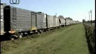 Tren cerealero de NCA saliendo de General Deheza