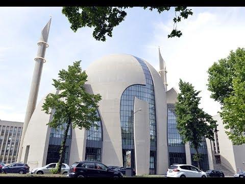 Mesjid terbesar di Jerman di kota Cologne. Islam berkembang pesat di Jerman, namun negeri ini telah disibukkan oleh sejumlah umatnya yang cenderung beraliran garis keras (gambar dari: https://www.youtube.com/watch?v=EKIoh_NwIGo)