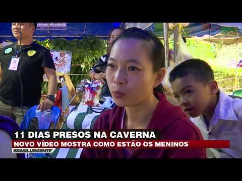Vídeo mostra meninos presos em caverna na Tailândia
