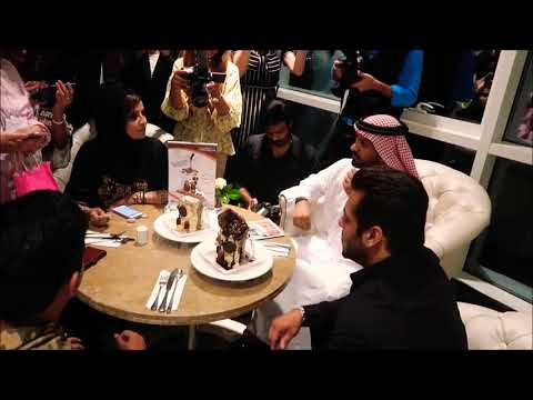 Salman KHAN with vlog in Dubai