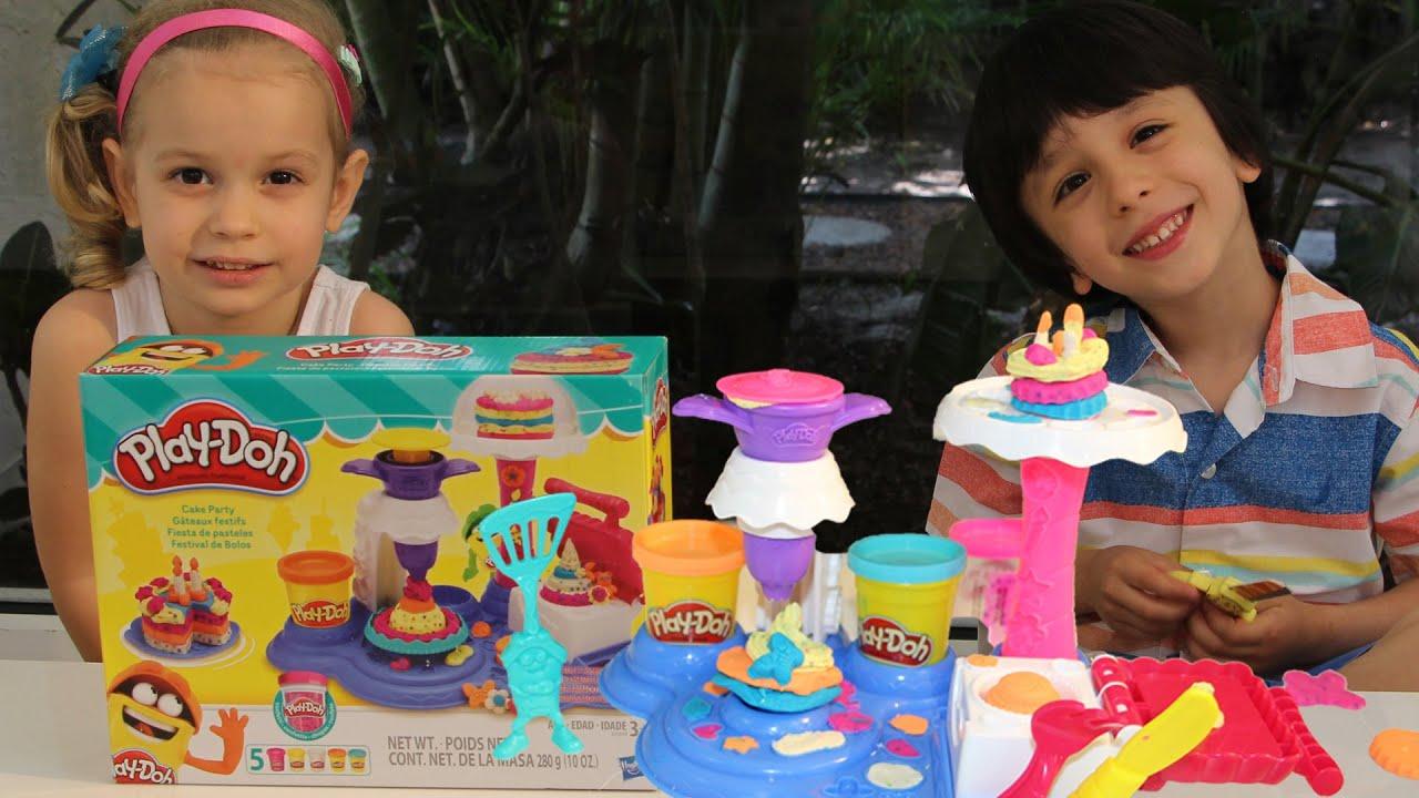 Набор для лепки праздничный торт от Play-Doh демонстрация - YouTube