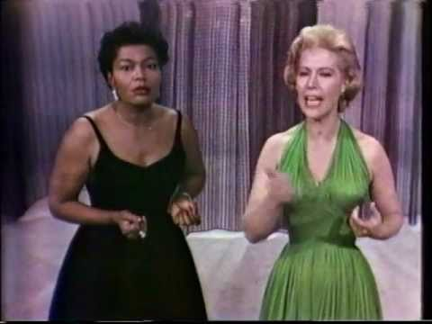 """HD Dinah Shore & Pearl Bailey 1960 """"The Ballad of Mack the Knife"""" on """"Dinah Shore Chevy Show"""""""