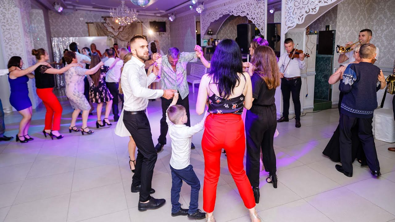 Formatia Dor Bucovinean. Muzica de petrecere si muzica populara. Colaj hore, sarbe si batute